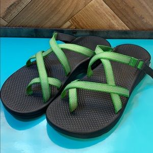 Chaco sandles slides